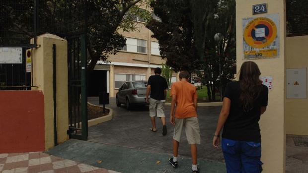Entrada del instituto de Marbella donde han ocurrido los hechos
