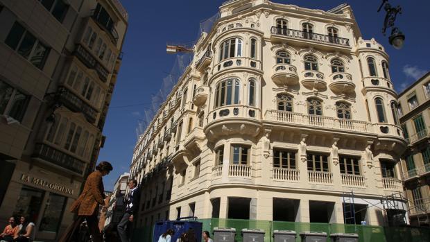Edificio donde se instaló el primer centro comercial de Félix Sáenz