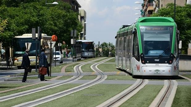 El metro de Granada presenta un descuadre millonario en las cuentas.