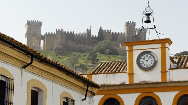 Ayuntamiento y Castillo de Almodóvar del Río