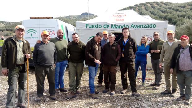 Cazadores del coto de Valdelinfierno durante las labores de búsqueda de Pedro Campaña en Priego