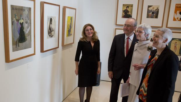 Lourdes Moreno, Francisco de la Torre, Soledad Luca de Tena e Inmaculada Corcho en la exposición