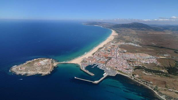 Imagen panorámica del municipo de Tarifa y su extenso litoral