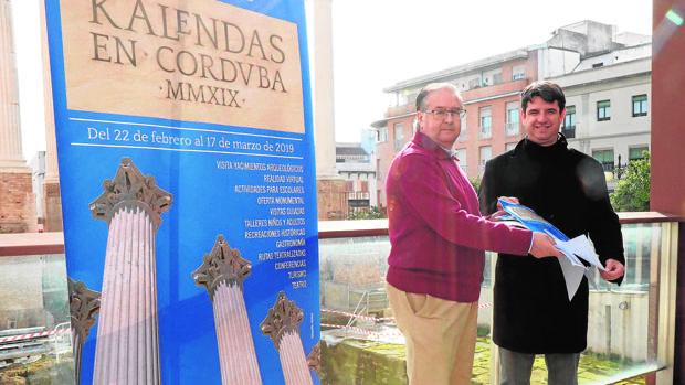 Presentación del Festival Kalendas, con Pedro García a la derecha
