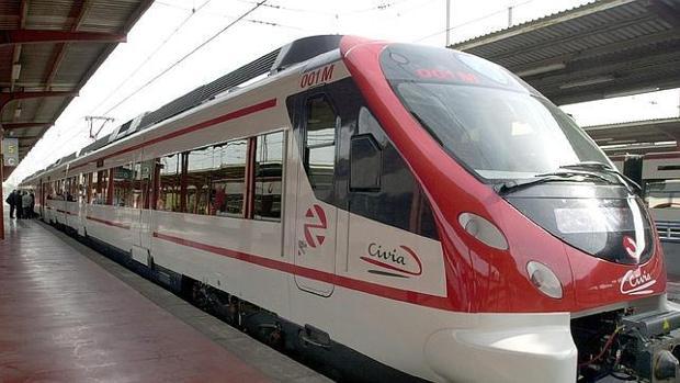 Un tren de media distancia de Renfe