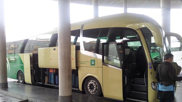 Un autobús en la Estación de Córdoba