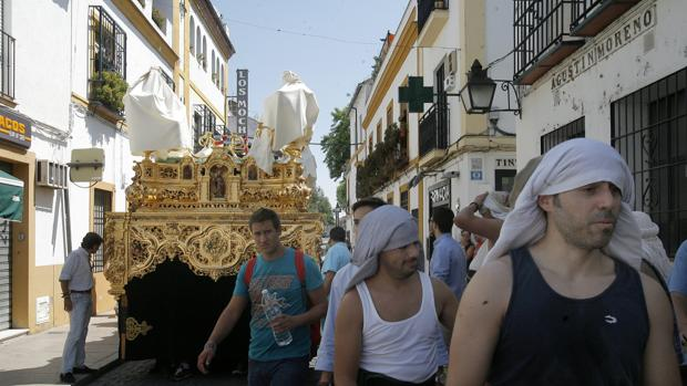 Ensayo de costaleros de Nuestro Padre Jesús de la Oración en el Huerto de Córdoba