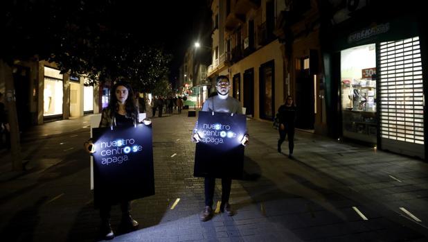 Protesta en Cruz Conde por la falta de iluminación