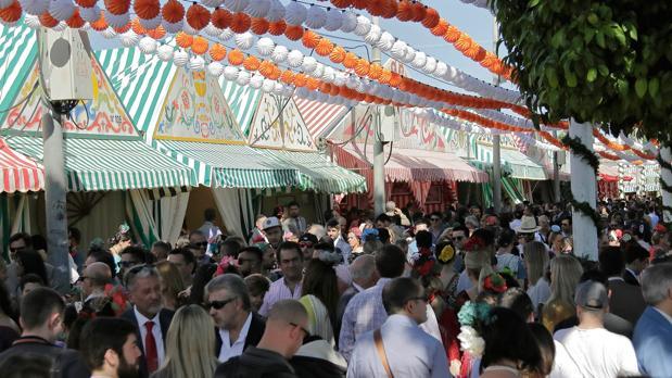 Visitantes en la Feria de Abril