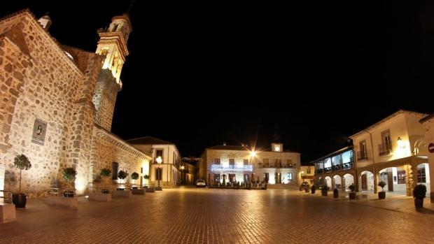 Plaza de La Villa de Dos Torres