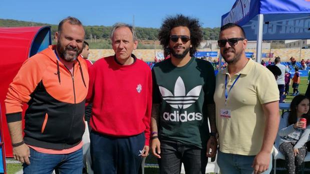Marcelo junto a los organizadores del torneo en Posadas