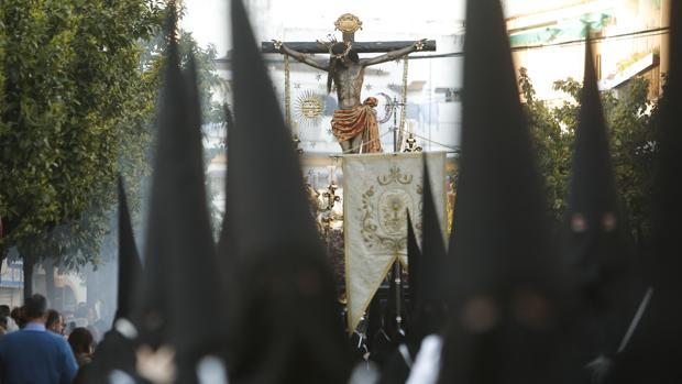 El Cristo del Remedio de Ánimas durante su estación de penitencia de 2018
