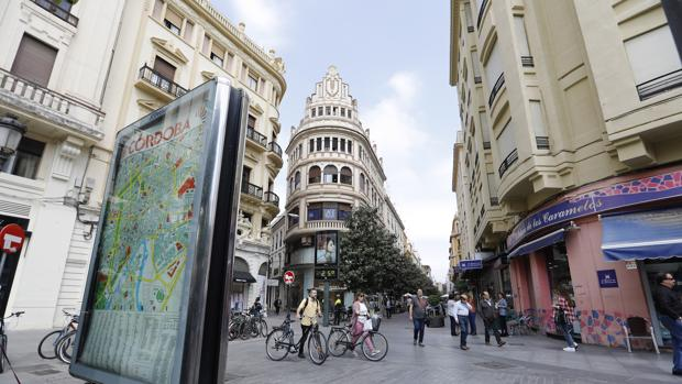 La batalla de PSOE e IU por las placas