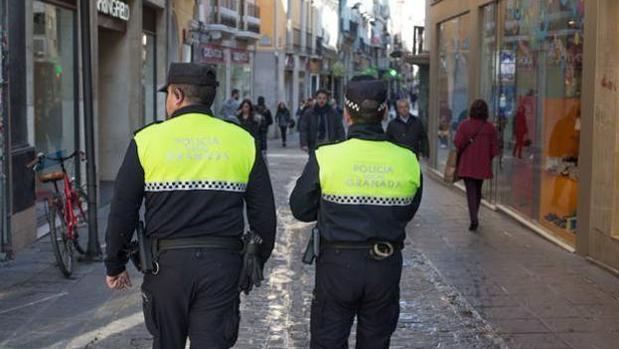 Según ha informado la Policía Local de Granada, el suceso tuvo lugar en pleno centro de la ciudad.