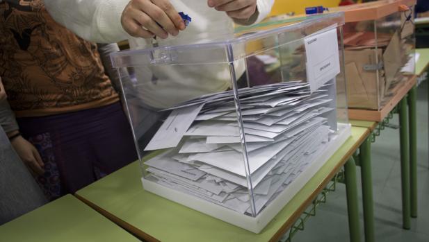 Urna de un colegio electoral