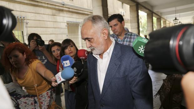 Fernando Villén, ex director de la Faffe, sale de los Juzgados tras declarar