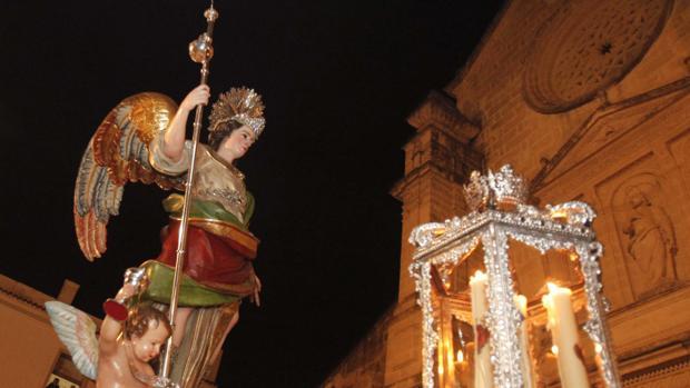 Mayo  El Mes Del Arc U00e1ngel San Rafael En C U00f3rdoba