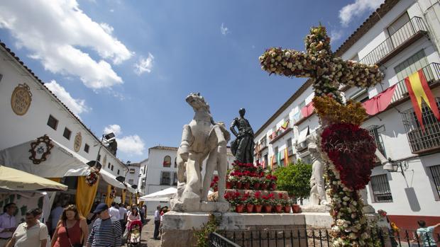 Cruz de Mayo de la Plaza de Santa Marina