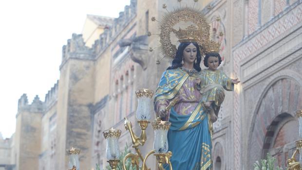 María Auxiliadora durante su procesión extraordinaria el 22 de septiembre del 2018 Álvaro Carmona