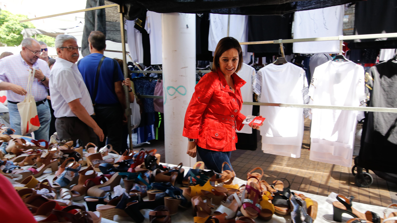 Isabel Ambrosio, ayer en el mercadillo de las Setas