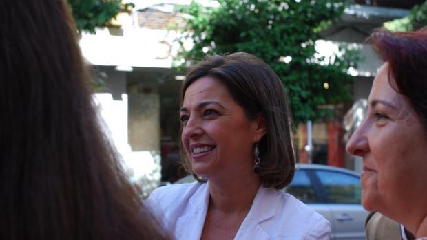 Isabel Ambrosio en un acto electoral este miércoles en la zona de la Viñuela