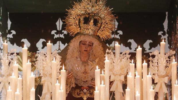 María Santísima de la Esperanza del Valle, bajo su palio el Jueves Santo del año 2019