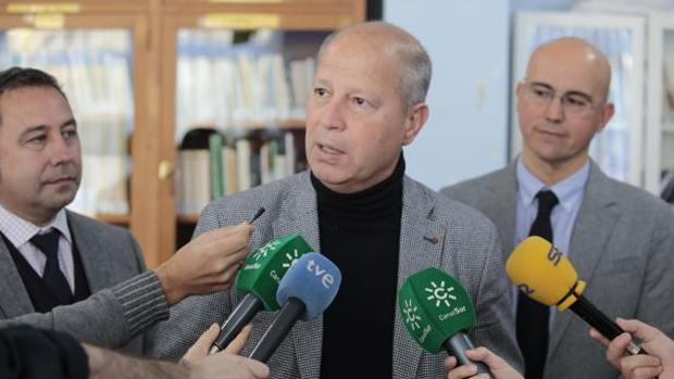 El consejero Javier Imbroda