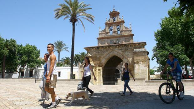 Sur y Fuensanta tienen en Córdoba lista de espera en Servicios Sociales de más de 95 días