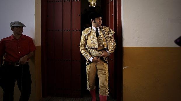Morante de la Puebla en el patio de cuadrillas de Sevilla