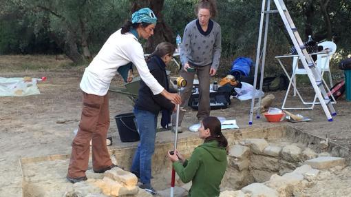 El equipo en la excavación