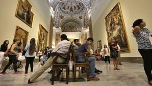 Visitantes en el Museo de Bellas Artes de Sevilla