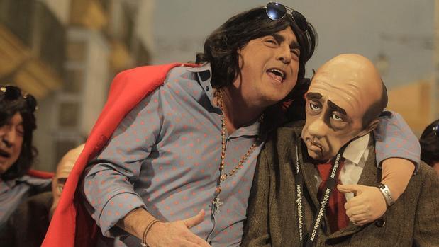 El Selu junto al popular Juan, que vuelven a representar este año junto a la chirigota de las suegras
