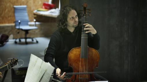 Fahmi Alqhai durante un ensayo