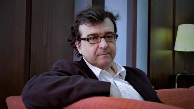 Javier Cercas en un hotel de Sevilla