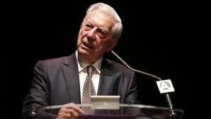 Mario Vargas Llosa: «Dudo mucho que haya comunistas en Cuba»