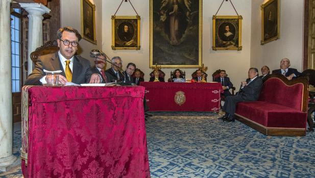 Augusto Ferrer-Dalmau ingresó este martes en Sevilla como académico en Santa Isabel de Hungría