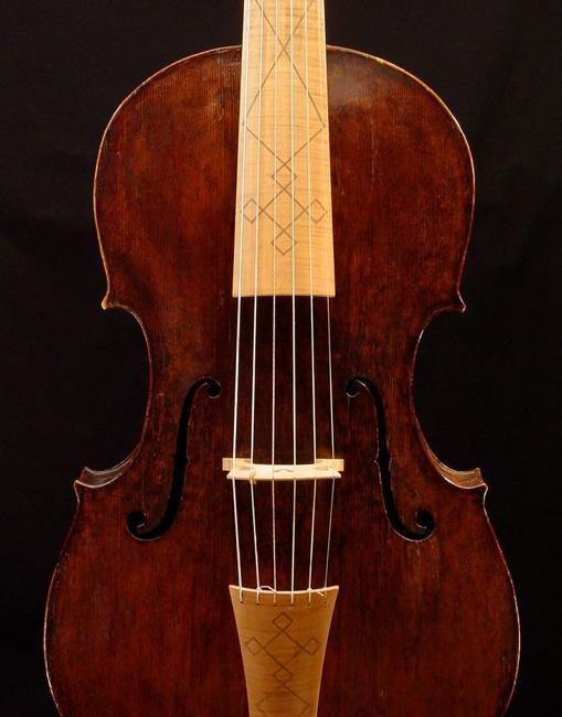 Imagen de una viola antigua