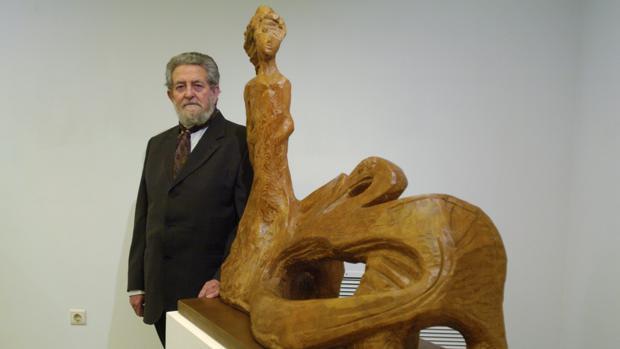 Ha fallecido Nicomedes, el escultor de la renovación