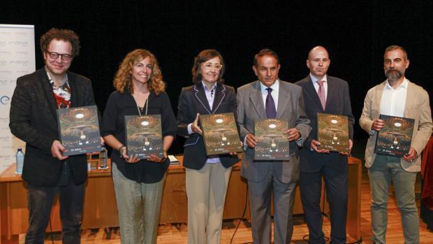 Axelrod, Ojeda, Aguilar, Pascual, Vayón y Garde en la presentación en el Maestranza