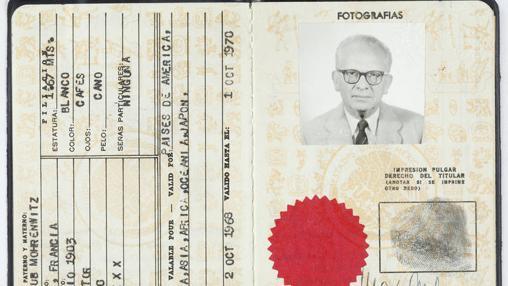 Pasaporte mexicana de Max Aub, uno de los documentos que se exhiben en la muestra