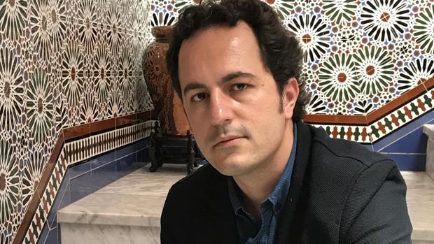 Rafael García Maldonado es un gran lector de novela negra, algo que se plasma en «Por un perro sin tumba»