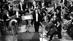 Ennio Morricone con la Sinfónica en 1999
