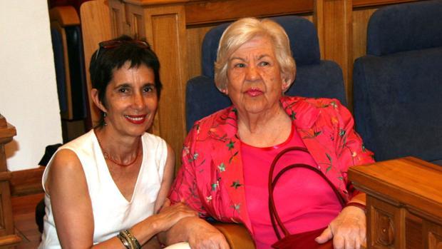 Leonor Machado (d), sobrina de los poetas Antonio y Manuel Machado