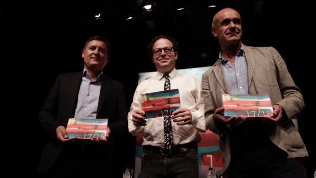 Eduardo Tamarit, John Axelrod y Antonio Muñoz en la presentación de la temporada