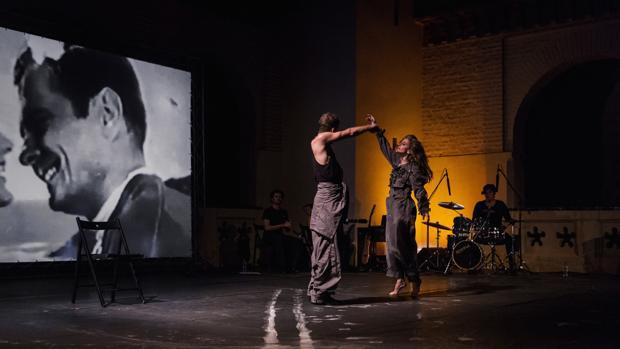 Momento de la representación de «Offlimits» en Itálica