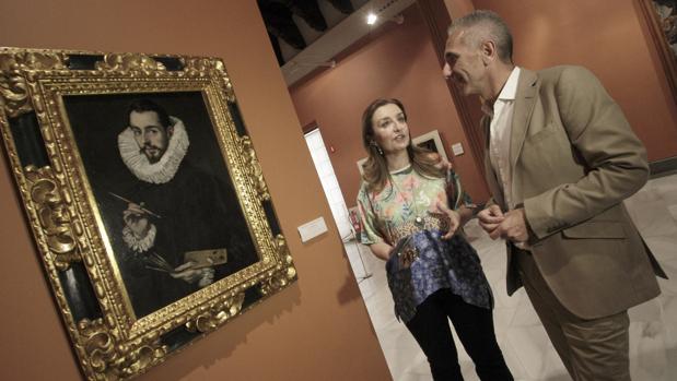 Miguel Ángel Vázquez junto a Valme Muñoz durante su visita al Museo de Bellas Artes