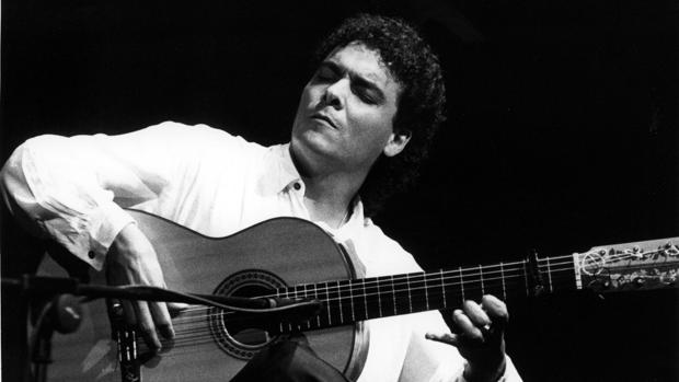 El guitarrista Quique Paredes