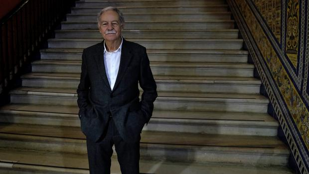 Eduardo Mendoza en la Fundación Cajasol