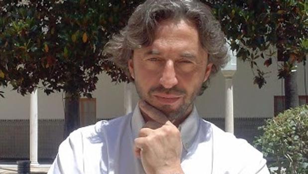 El escritor Juan Carlos Macías Toro