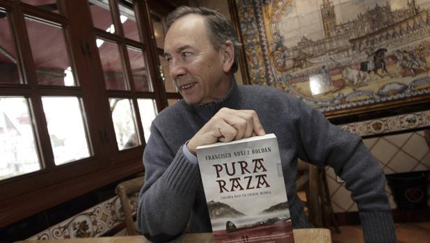 Francisco Núñez Roldán vuelve a ambientar su nueva novela en la IIGurra Mundial